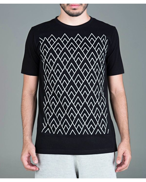 Camiseta-Triangulo-Pattern