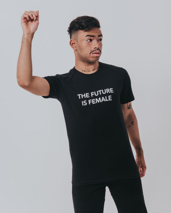 camiseta-the-future-is-female-preta